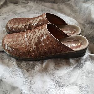 NC Club woven brown leather mules 9